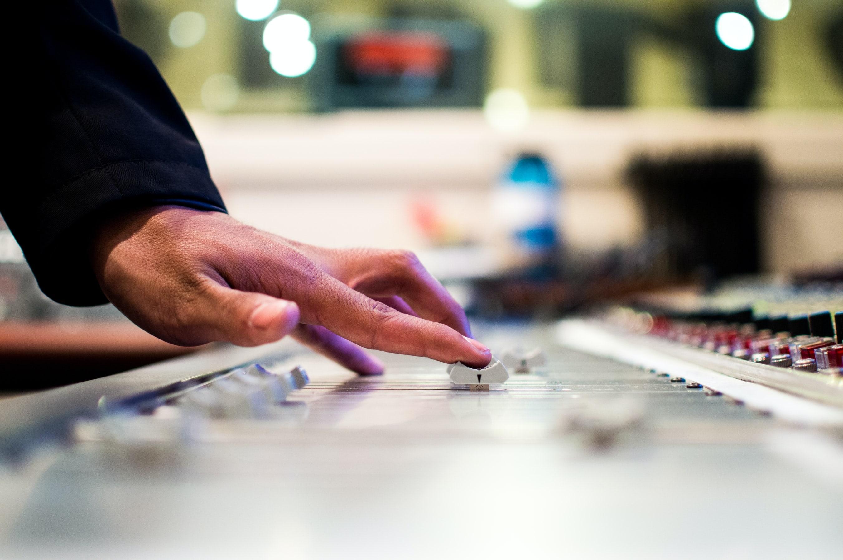 Радіо Золочів ФМ шукає нові голоси
