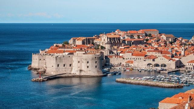 Хорватія продовжує карантин, але збирається послабити обмеження