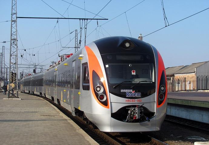 З 1 червня поновлюються пасажирські, залізничні перевезення