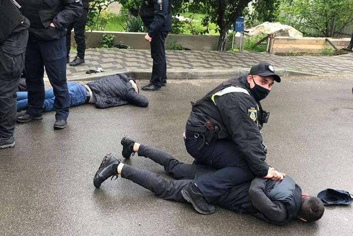 Учасники стрілянини у Броварах втекли на 5 автомобілях, – МВС
