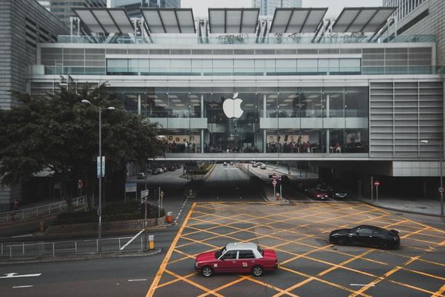 Apple полегшила людям у масках розблокування пристроїв за допомогою Face ID