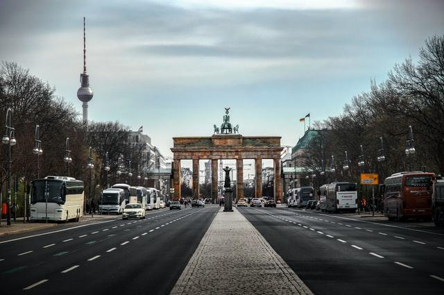 Німеччина продовжила дозвіл на в'їзд сезонних працівників