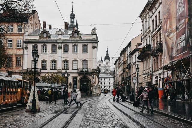 У Львові запрацюють перукарні, салони краси та стоматологи