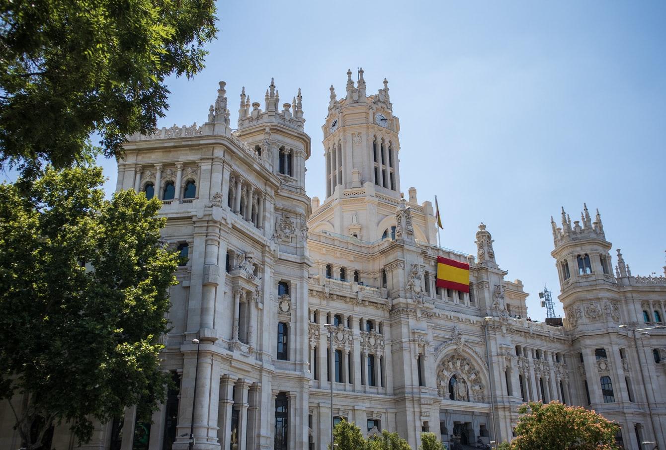 Стало відомо, коли Іспанія відкриється для іноземних туристів