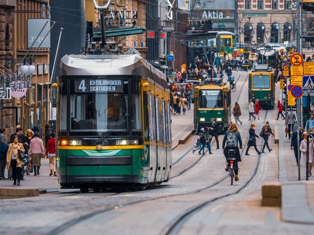 Україна домовилась з Фінляндією про рейси для сезонних працівників