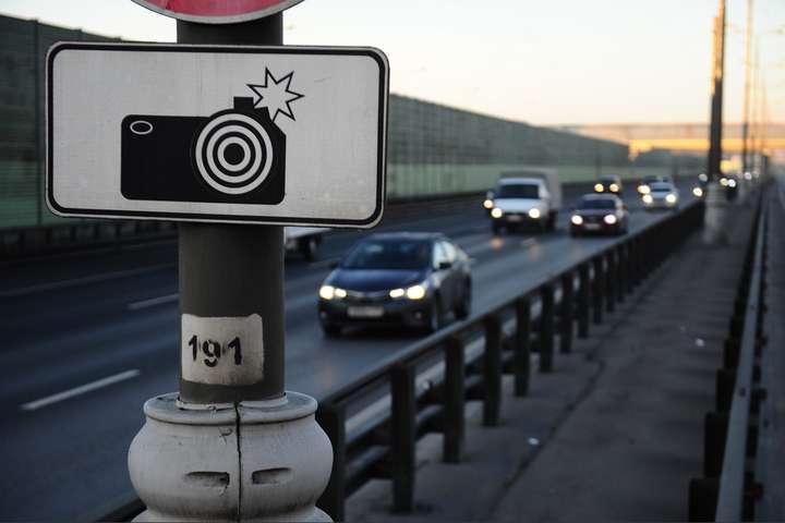У Києві один автомобіль перевищив швидкість 12 разів за добу