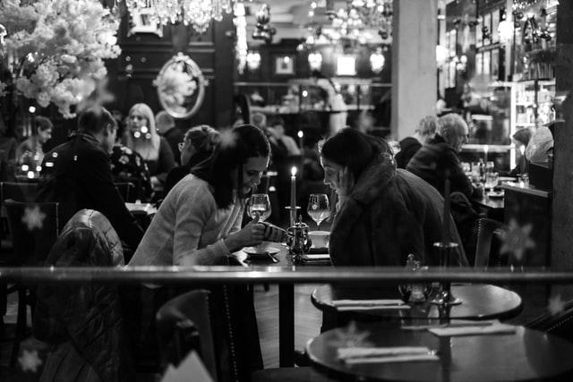 У Чернівцях ресторатори влаштували акцію проти карантину