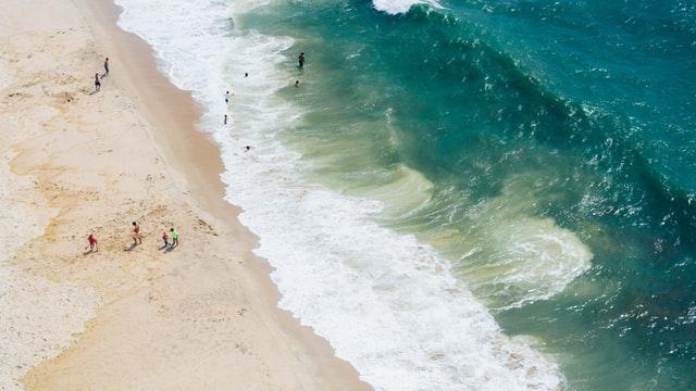 У МОЗ роз'яснили, коли потрібно носити маски на пляжі