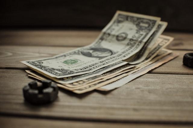 Львівські митники вилучили у 26-річного українця 160 тисяч доларів