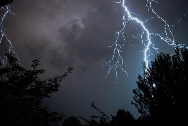 Синоптики оголосили штормове попередження на Львівщині