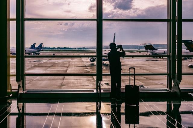 Уряд змінив правила в'їзду в Україну іноземців на час карантину