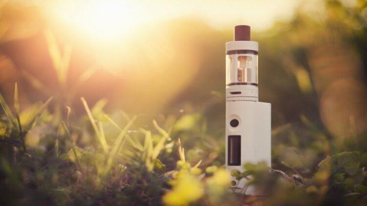 Верховна Рада заборонила продаж електронних сигарет неповнолітнім