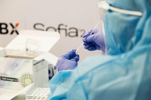 ВООЗ допускає, що молодь від коронавірусу почнуть вакцинувати пізніше за інших