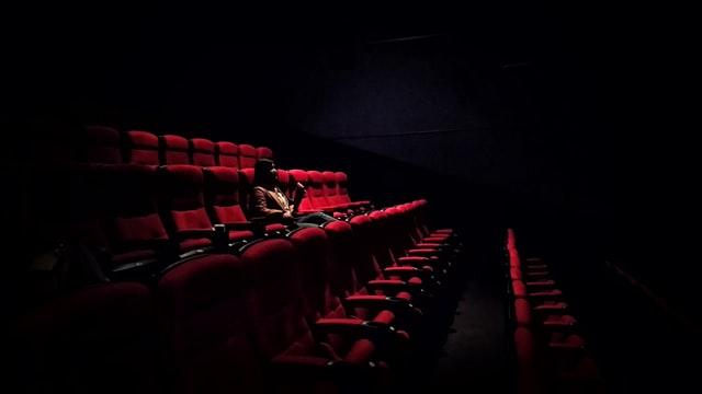 В містах «червоної» зони дозволили роботу кінотеатрів