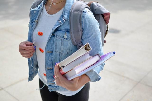 В Україні через карантин продовжили термін зарахування іноземців в університети