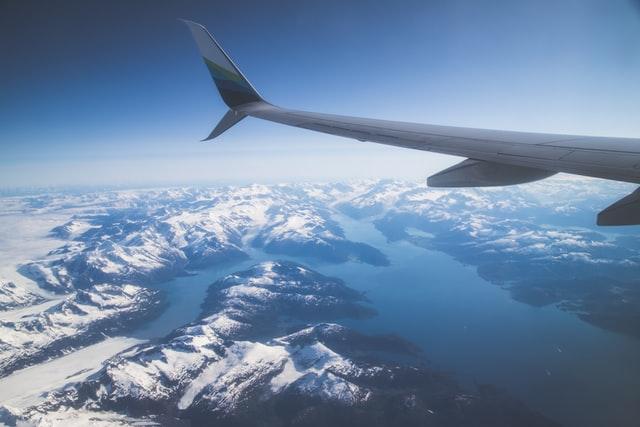 Авіакомпанії можуть ввести обов'язкову вакцинацію від COVID-19 для пасажирів