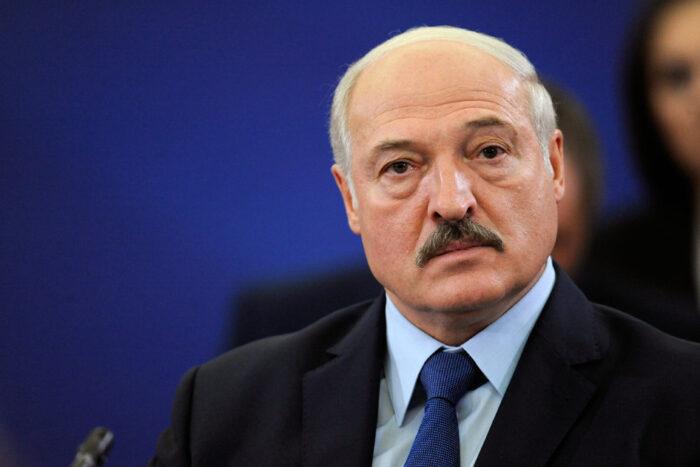 Лукашенко закликає відмовитись від смартфонів