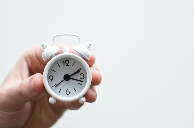 Рада може скасувати переведення годинників в Україні