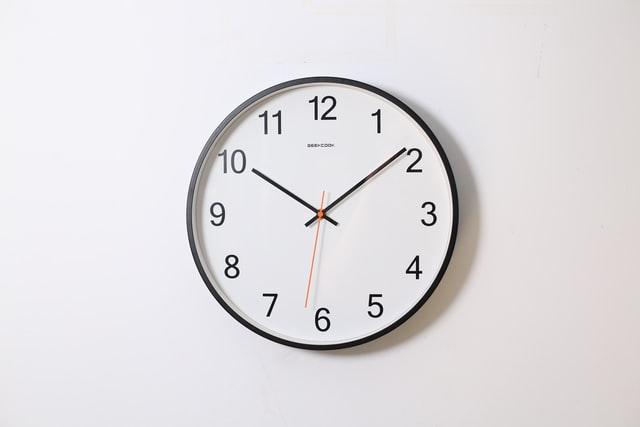 Рада може остаточно скасувати переведення годинників вже на цьому тижні