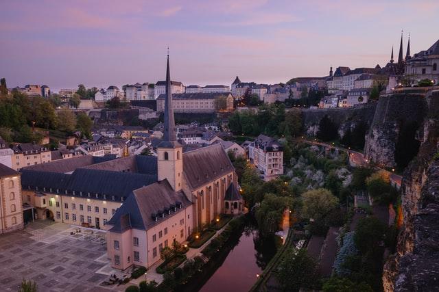 Люксембург відкрився для українців: умови в'їзду